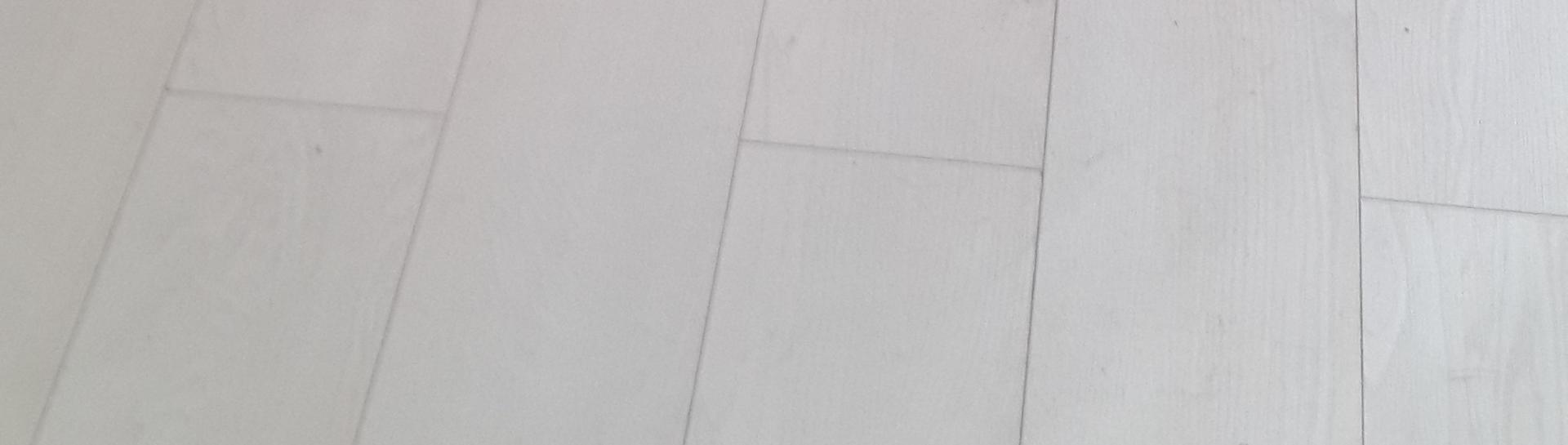פרקטים לבנים – למראה נקי ויוקרתי